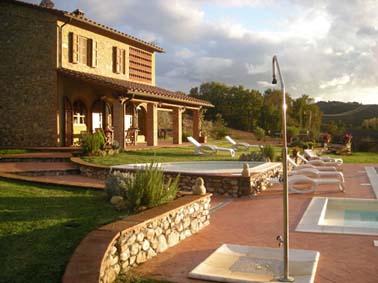 villa mit pool und apartment