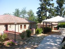 Ferienhaus für 8 - 10 Personen inmitten der historischen, toskanischen dorf von Rivalto gelegen, nahe bei Florenz, Pisa, Volterra und Siena.